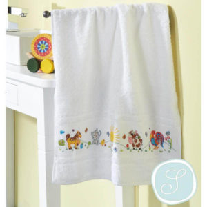 Simy's studio - Embroidery kit animals - towel 50x100cm, white | The Knitting Club